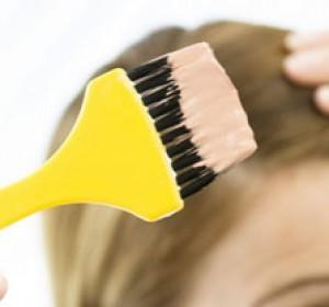 Gebelik süresince saç boyatmakta bir sakınca var mı?